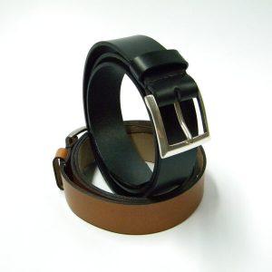 Cinturón de piel negro