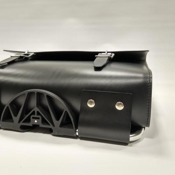 maletín compatible con bicicletas Brompton negro vista inferior