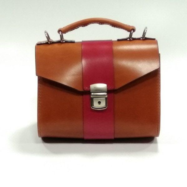 Frontal bolso de mano marrón