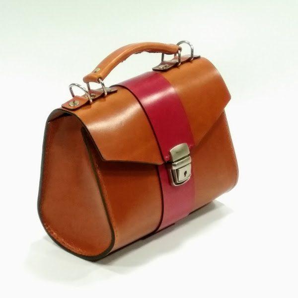 Lateral bolso de mano marrón